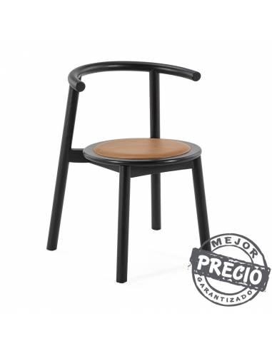 Original silla antique de madera procedente de bosques sostenibles. Esta silla obtiene funde el estilo retro con vanguardista