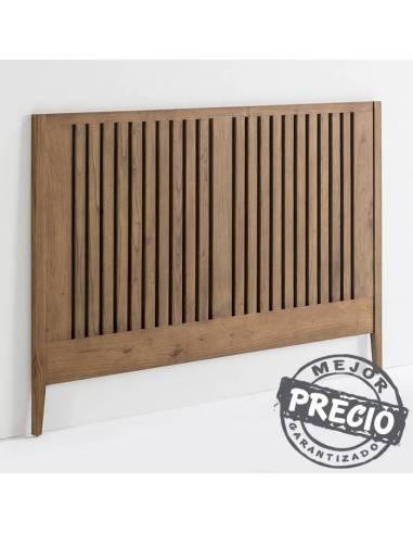 Elegante cabecero de estilo rústico realizado con madera procedente de bosques sostenibles.